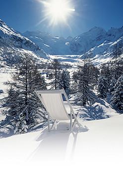 Weihnachtskarte 8167 Liegestuhl im Schnee