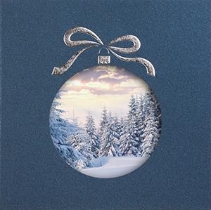 Weihnachtskarte 8952 Kugeln mit Winterlandschaft