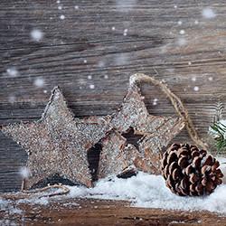 Weihnachtskarte 8160 Holzsterne im Schnee